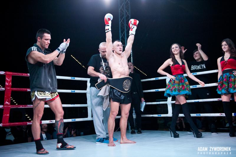 Zawodowa Gala Kick-Boxingu i K1 -Walka P.Biały -J.Moncol