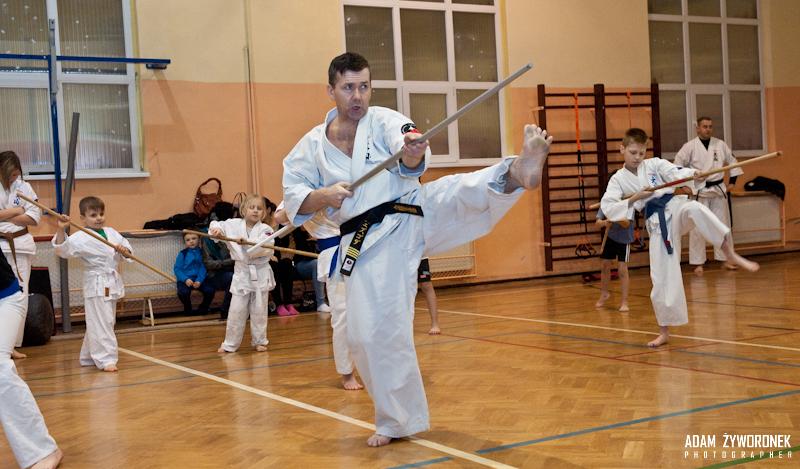 """Trening Oyama Karate i Thai Kickboxing-WKS ,,Sobieski"""" gr.dziecięca Sensei Artur Niezgoda"""