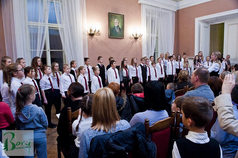 Jesienny koncert solistów, zespołów instrumentalnych i chóru PSM w Żaganiu.