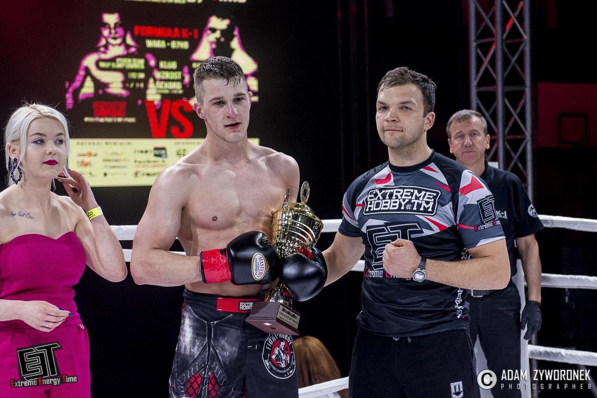 Extreme Energy Time WALKA 3 – 81 kg: Marcin Moskwa (Fight Hobby Legnica) vs. Robert Jesiołowski (Klub Shidokan Jelenia Góra)