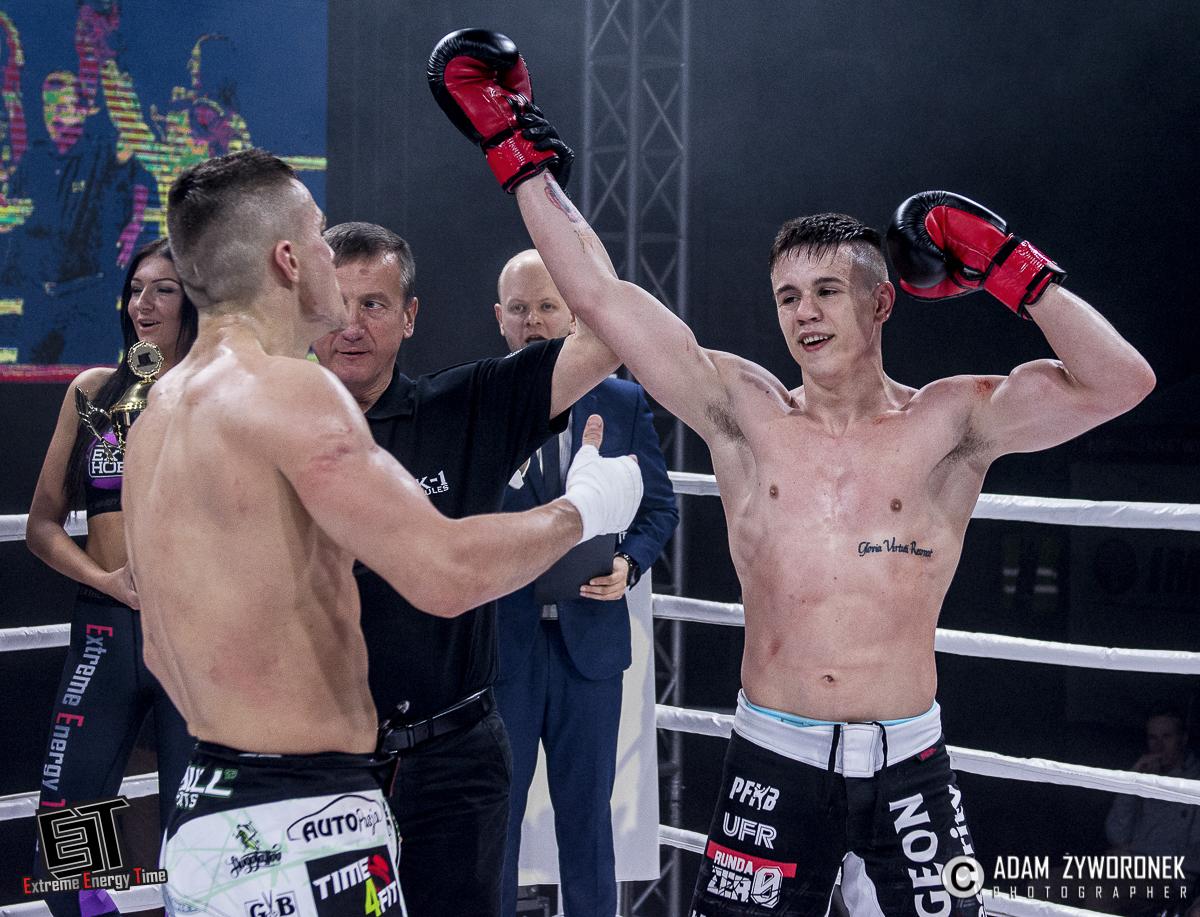 Extreme Energy Time walka 7- 71 kg: Kacper Muszyński (KGHM Metraco Armia Polkowice) vs. Alan Kwieciński (WCA Fight Team)