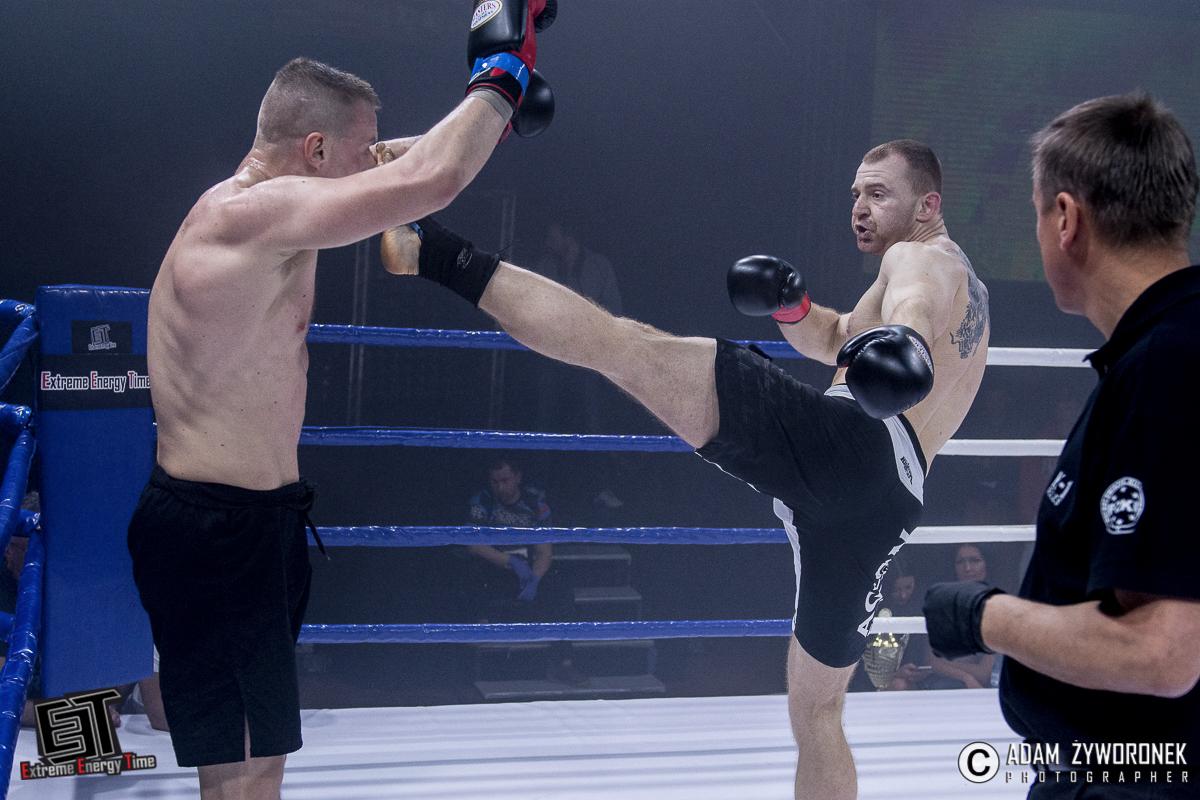 Extreme Energy Time walka 9-91 kg: Grzegorz Lenart (AEP Vorenus Jawor) vs. Marcin Bachórz (Marcin Bachórz Kick-Boxing K-1)