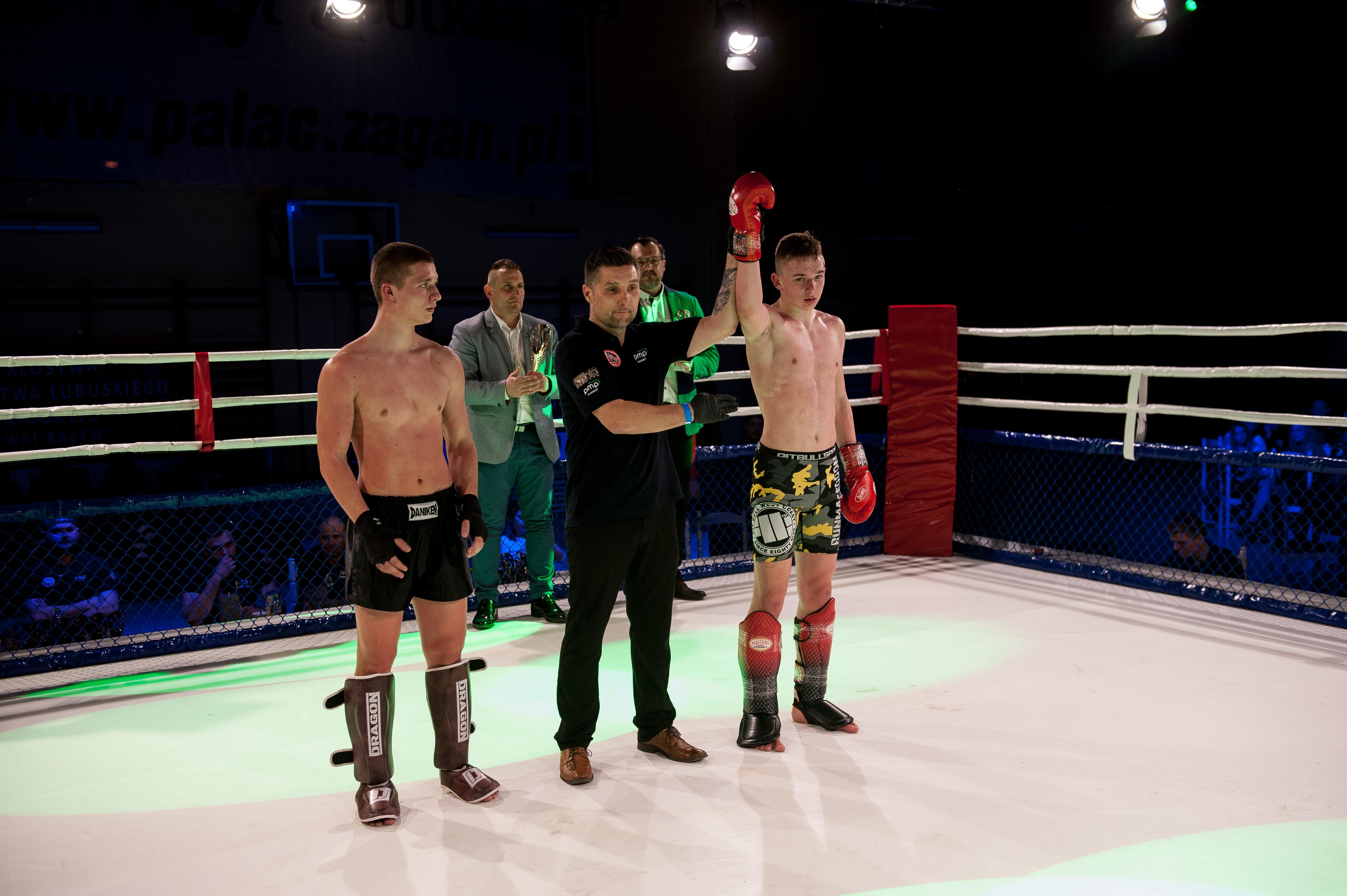 Charytatywna Gala Sportów Walki Żagań 13.04.2019-walka 9. Igor Serafin (Vorenus Jawor) vs Michał Machulak (Malinowski Team Żary) K-1 -65 kg